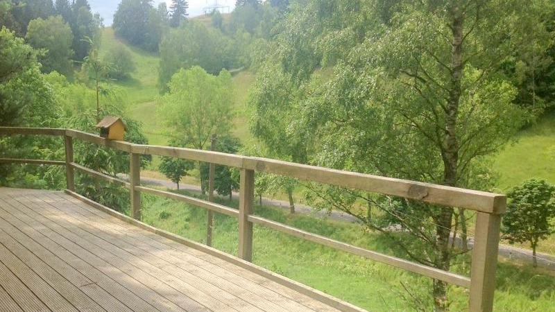 Terrasse mit Blick über den Thüringer Wald