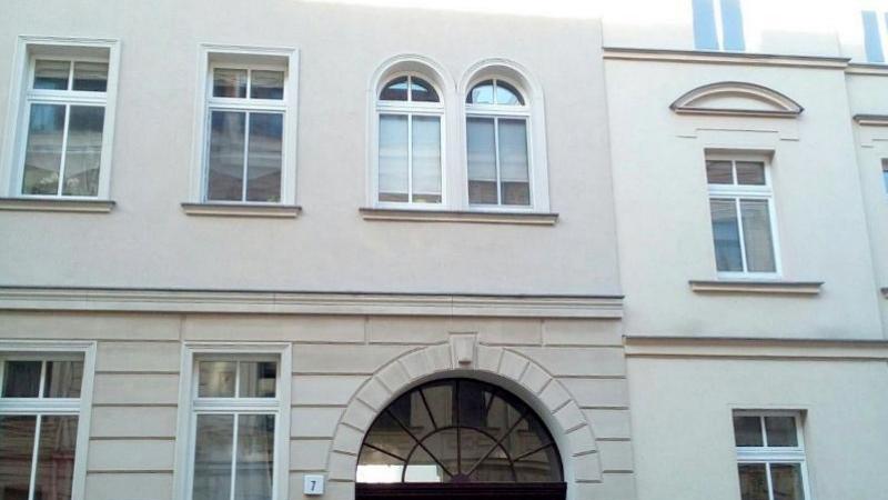 Angeboten wird eine Eigentumswohnung mit 2 Zimmern auf ca. 52 m² Wohnfläche.