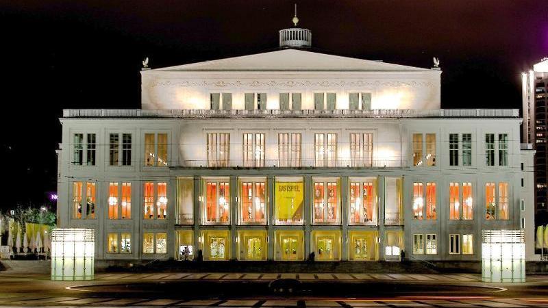 das Leipziger Opernhaus als Spielstätte der Sparten Oper und Ballett ...