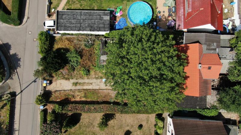 04_nachhause-immobilien_5581a08123adf43a00595f9bfa7ebef59c9b7a2d Ein Job für die Bauretter ... Großes Grundstück mit kleinem Einfamilienhaus an der Saale
