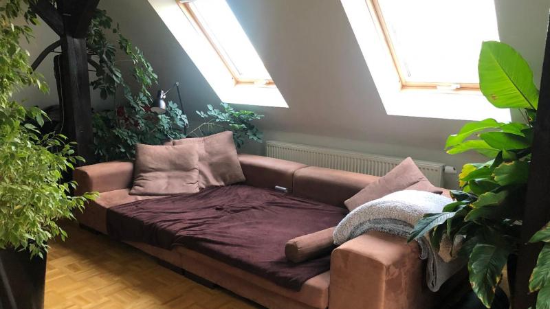 einer Loggia auf ca. 60 m² Wohnfläche,