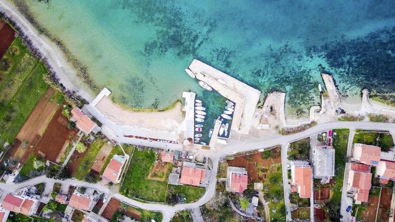07_nachhause-immobilien_30067b2d39836e7fa13a3b695c2fa173bfe912e4 Mit traumhaftem Meerblick ... Sanierungsbedürftiges Natursteinhaus auf der Insel Pasman